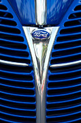 Woody Wagon Photos - 1939 Ford Woody Wagon Grille Emblem by Jill Reger