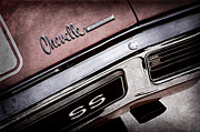 Chevelle Framed Prints - 1970 Chevrolet Chevelle SS Taillight Emblem Framed Print by Jill Reger