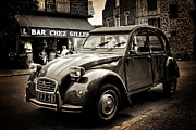 2cv Digital Art - Citroen 2CV / Meyssac by Barry O Carroll