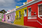 Gebaeude Framed Prints - colourful buildings in Bo-Kaap Framed Print by Juergen Ritterbach