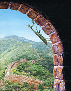Lynette Cook Paintings - Great Wall Mantis by Lynette Cook