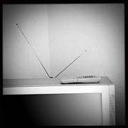 Analog Photos - Old television by Les Cunliffe