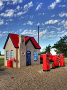 Gas Stations Prints - On Route 66  Print by Mel Steinhauer