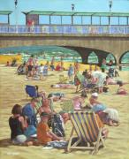 Crowd Scene Paintings - people on Bournemouth beach by Martin Davey