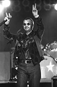 Ringo Starr Metal Prints - Ringo Starr and His All Starr Band Metal Print by Front Row  Photographs