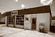 Route 66 - Rusty Mobil Station Print by Frank Romeo