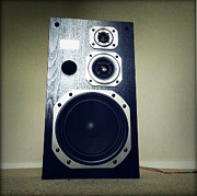 Audio Prints - Speaker Print by Les Cunliffe
