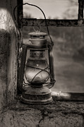 Ann Garrett - The Hurricane Lamp