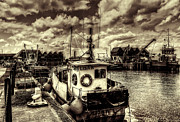 Oyster Art - Whitstable Harbour by Ian Hufton