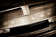 500 Photos - 1968 Shelby GT 500 KR Fastback Grille Emblem by Jill Reger