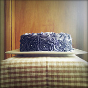 Icing Sugar Photos - Cake by Les Cunliffe