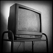 Tv Set Prints - Old television Print by Les Cunliffe
