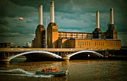 London Skyline Art - Pink Floyd Pig at Battersea by Dawn OConnor