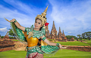 Ayutthaya Prints - Chaiwatthanaram temple  Print by Anek Suwannaphoom