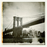 Nyc Digital Art - Brooklyn Bridge by Natasha Marco