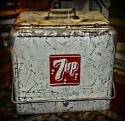 Chest Prints - 7 UP Vintage Cooler Print by Paul Ward