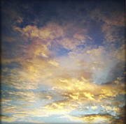 Sunlit Prints - Sunset sky Print by Les Cunliffe