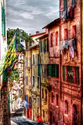 Sienna Italy Prints - Airing Your Laundry Print by Patrick Witz
