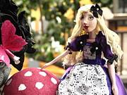 Debi Ling - Alice in the garden