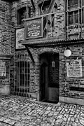 Christopher Holmes - Alley - BW