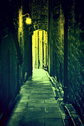 Craig Brown Art - Alleyway by Craig Brown