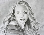 Amanda Drawings - Amanda Seyfried by Kat Ewing