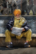 India Art - Americana - People - Casually reading a newspaper by Mike Savad