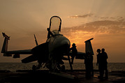 George Bush Prints - An F18c Hornet Aboard Uss George H.w Print by Giovanni Colla