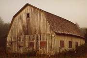 Old Barns Photo Prints - An Oregon Barn Print by Jeff  Swan