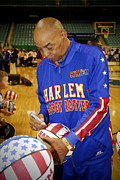 Harlem Digital Art - An Original Globetrotter - Curly Neal by Robert Saunders Jr