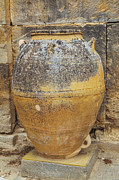 Patricia Hofmeester - Ancient Minoan big pots from about  2000 BC