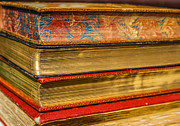 Patricia Hofmeester - Antique books with golden pages