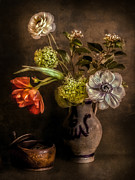 Hugo Bussen - Antique flower scene