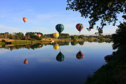 Yakima Valley Photos - Balloons Heading East by Carol Groenen