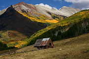 Juans Photos - Barn at Last Dollar Road in autumn by Jetson Nguyen