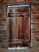 Log Cabin Photographs Prints - Barn Door Print by Robert Margetts