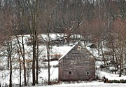 Chad Wilkins - Barn in the snow