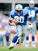 Touchdown Framed Prints - Barry Sanders Poster Framed Print by Sanely Great