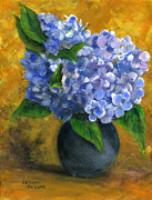 Still Life Paintings - Big Hydrangeas in Little Black Vase by Lenora  De Lude