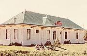 Marilyn Hunt - Big L Railroad Station