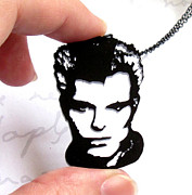 Perspex Necklace Art - Billy Idol Portrait Necklace by Rony Bank