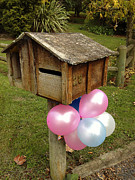Letterbox Art - Birthday balloons by Les Cunliffe