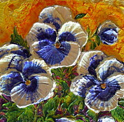 Paris Wyatt Llanso - Blue and White Pansies