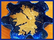 Blue Maple Leaf Dish Print by Joan-Violet Stretch