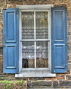 Lisa Hurylovich - Blue Shutters