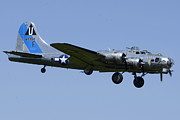 Brian Lockett - Boeing B-17G Flying...