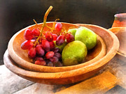 Wooden Bowl Prints - Bowl of Red Grapes and Pears Print by Susan Savad