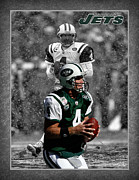 New York Jets Framed Prints - Brett Favre Jets Framed Print by Joe Hamilton