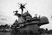 Manhatten Prints - Bridge and flight deck island on the USS Intrepid at the Intrepid Sea Air Space Museum Print by Joe Fox