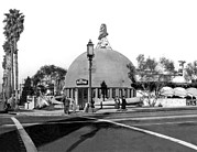 Wilshire Blvd. Framed Prints - Brown Derby Restaurant Framed Print by Underwood Archives